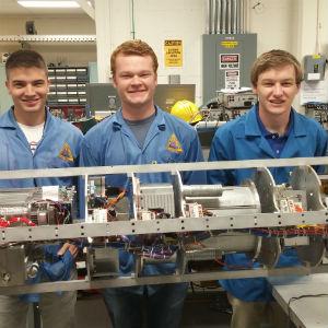 L_081015-engineering-spacestudents