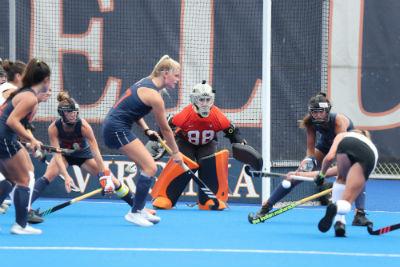Taylor Henriksen uva field hockey