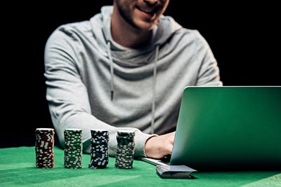 laptop online poker casino gambling